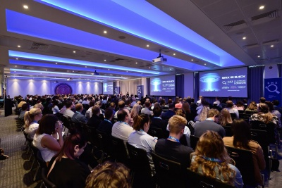 attendees in hall at smx london 2018 conference